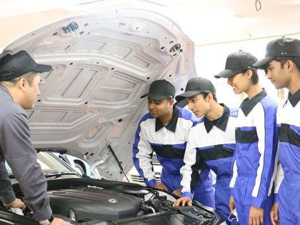 【来校型】国際自動車整備科(留学生) のイメージ