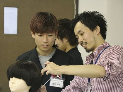 人気サロンによる美容師を目指す人のためのスペシャルセミナー(サロン:anuenue) のイメージ
