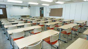 YIC京都貸し教室・貸し会議室:377普通教室/収容人数48人