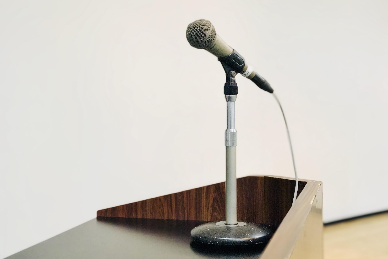 YIC京都の貸し会議室の有線マイク